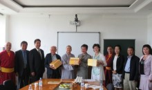 МУИС-ийн номын санд Хятадын Буддын шашны Ганжуур, Данжуур их хөлгөн судруудыг хүлээлгэн өгөх ёслолын үйл ажиллагаа болов